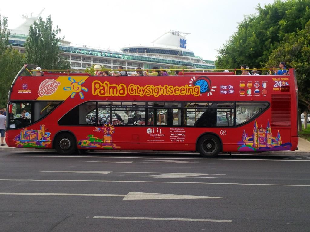 Bus turistico de Mallorca excursiones en puerto de Palma
