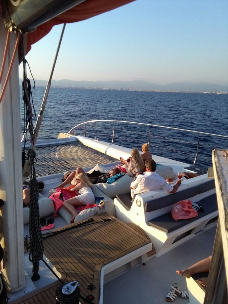 Catamarán Mallorca puesta de sol